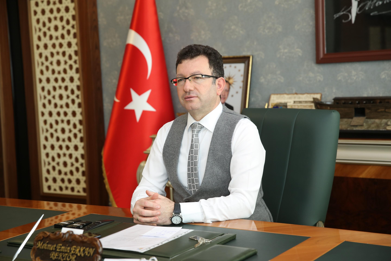 Rektörümüz Prof. Dr. Mehmet Emin Erkan'ın 30 Ağustos Zafer Bayramı Mesajı...